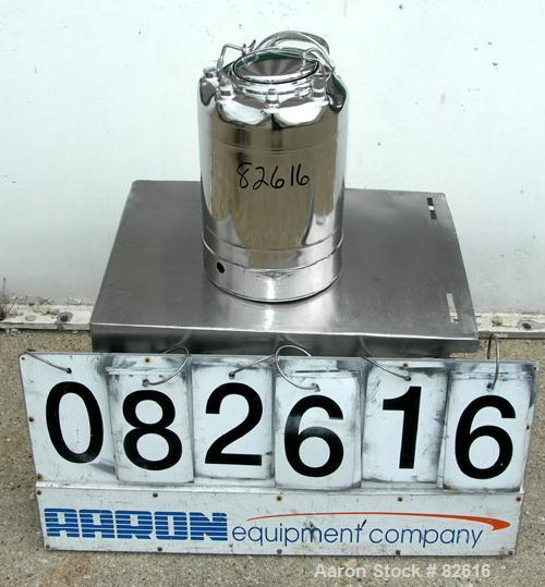 """USED: Alloy Products pharmaceutical-hygienic portable pressure tank, 3 gallons, 304 stainless steel, vertical. 9"""" diameter x..."""