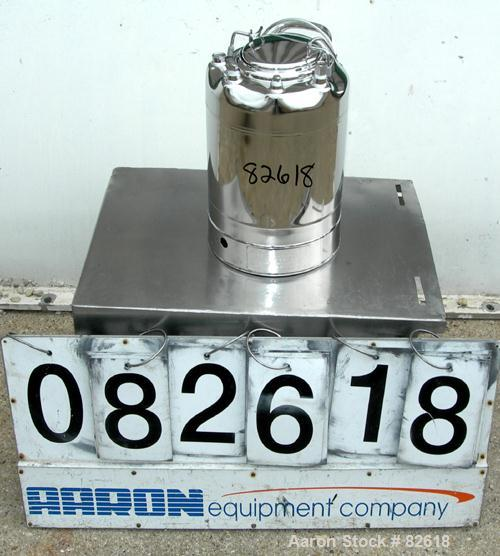 "USED: Alloy Products pharmaceutical-hygienic portable pressure tank, 3 gallons, 304 stainless steel, vertical. 9"" diameter x..."