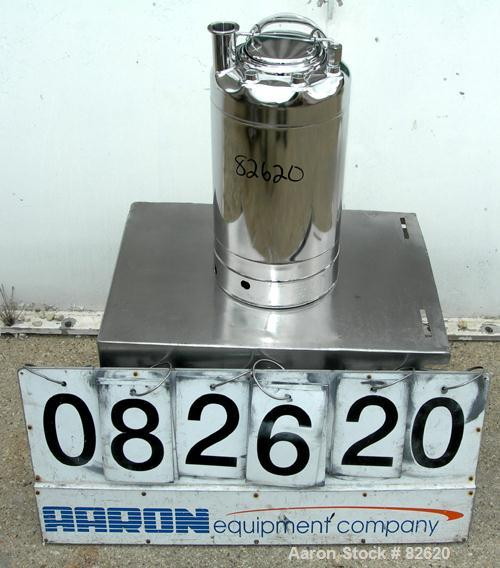 """USED: Alloy Products pharmaceutical-hygienic portable pressure tank, 4 gallons, 304 stainless steel, vertical. 9"""" diameter x..."""