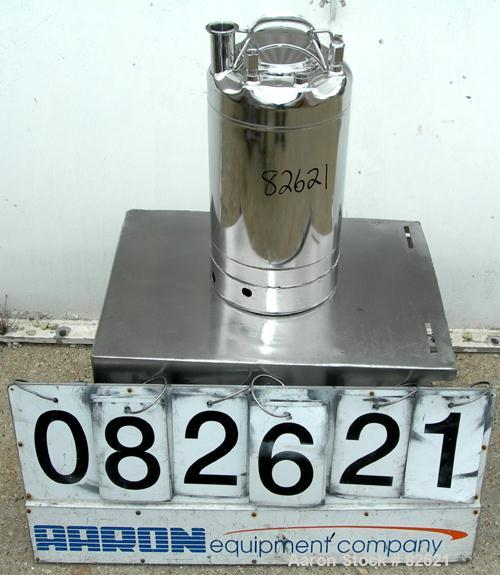 "USED: Alloy Products pharmaceutical-hygienic portable pressure tank, 4 gallons, 304 stainless steel, vertical. 9"" diameter x..."