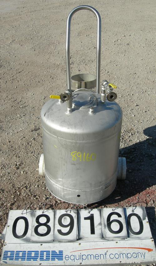 "Used- Alloy Products Pressure Tank, 20 Gallon, 316L Stainless Steel, Vertical. 18"" diameter x 15"" straight side. Dished top ..."