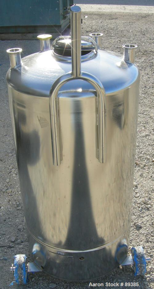 """USED: Alloy Products pressure tank, 25 gallon, 316 stainless steel, vertical. 18"""" diameter x 25"""" straight side. Dished top a..."""