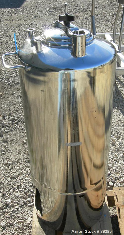 """Used- Alloy Products Pressure Tank, 13 Gallon, 316 Stainless Steel, Vertical. 12"""" diameter x 19"""" straight side. Dished top a..."""