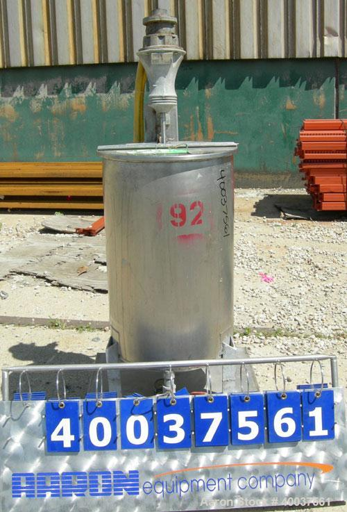 Used- Alsop Tank, 25 gallon, 304 stainless steel, vertical. 18'' diameter x 28'' straight side, open top with a 1/2 hinged c...