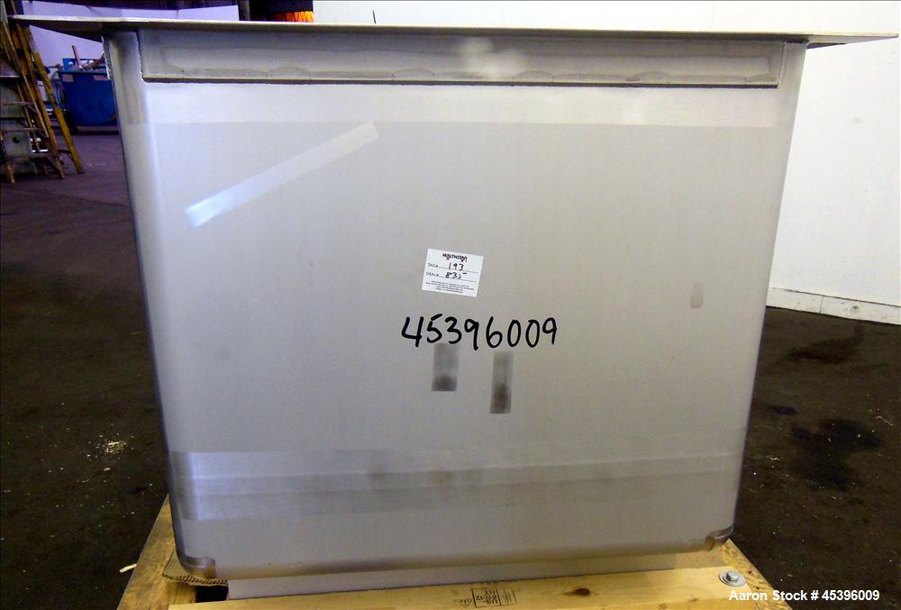 200 Gallon Stainless Steel Apache Stainless Equipment Square Gravity Filter Tank