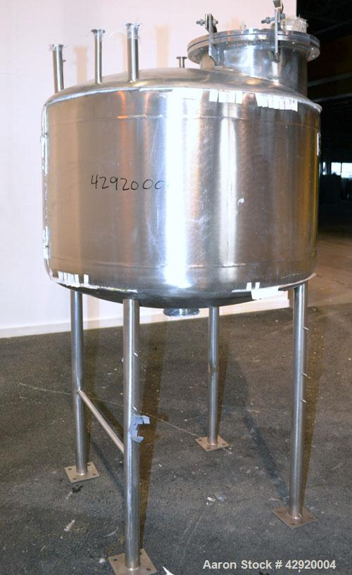 Used- B&G Machine Pressure Tank, 198 Gallon (750 Liter), 316L Stainless Steel, Vertical. 48'' Diameter x 20'' straight side,...