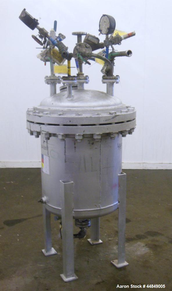 "Used- Chicago Boiler Company Pressure Tank, 50 Gallon, 304 Stainless Steel, Vertical. 24"" Diameter x 24"" straight side, dish..."