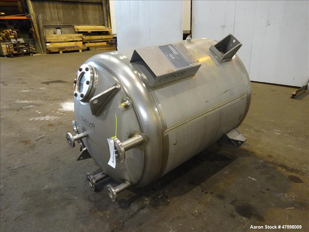 Unused- Crown Iron Works Pressure Tank, 275 Gallon, 304L Stainless Steel, Vertic