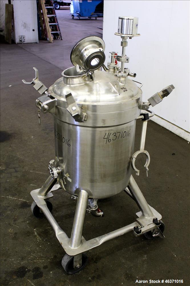 "Used- DCI Pressure Tank, 22.5 Gallon (85 Liter), 316L Stainless Steel, Vertical. 18"" Diameter x 17-3/4"" straight side. Clamp..."
