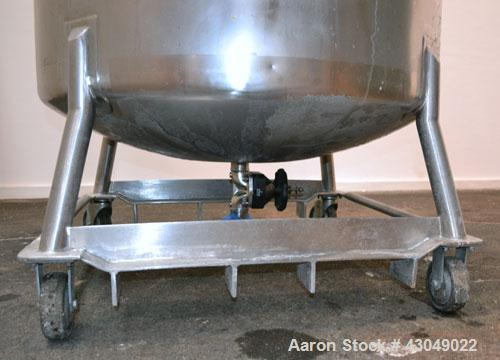 Used- DCI Pressure Tank, 211.34 Gallon, 316 Stainless Steel, Vertical. 43-1/4'' Diameter x 37'' straight side, dished top an...