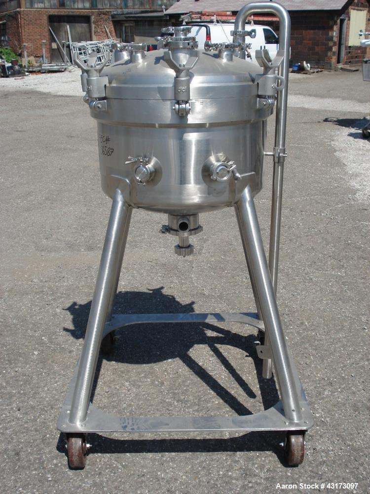 """Used-80 Liter DCI receiver, 316L stainless steel construction, 24"""" diameter x 10"""" straight side, Rated 50/15 psig @ 350 degr..."""