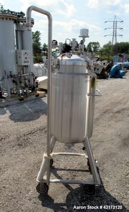 "Used-DCI receiver,100 liter, 316 stainless steel construction, approximately 18"" diameter x 31"" straight side, removable dis..."