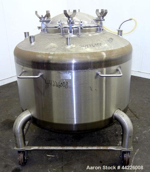 """Used- DCI Pressure Tank, 158.5 Gallon (600 Liter), 316 Stainless Steel, Vertical. 41-3/4"""" Diameter x 21"""" straight side, dish..."""