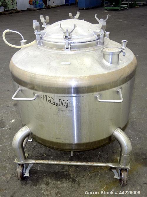 "Used- DCI Pressure Tank, 158.5 Gallon (600 Liter), 316 Stainless Steel, Vertical. 41-3/4"" Diameter x 21"" straight side, dish..."