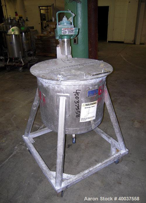 """Used- Douglas Brothers Tank, 40 gallon, stainless steel, vertical. 24"""" diameter x 18"""" straight side. Open top with a 1/2 hin..."""