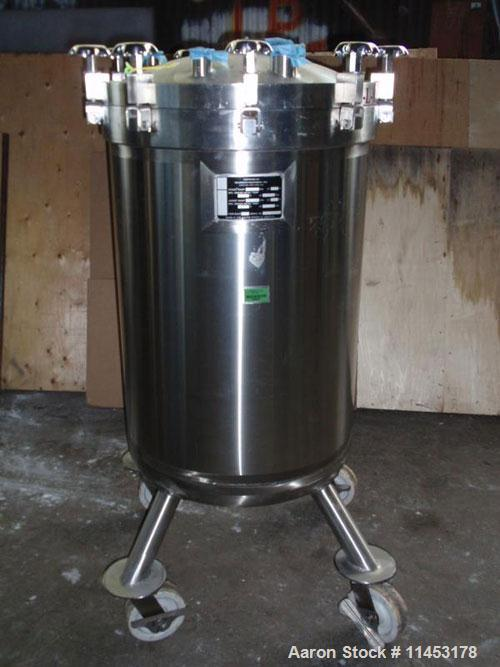 "Used-Feldmeier 70 Gallon Receiver. Stainless steel construction, 24"" diameter x 33"" straight side, removable dish top, dish ..."