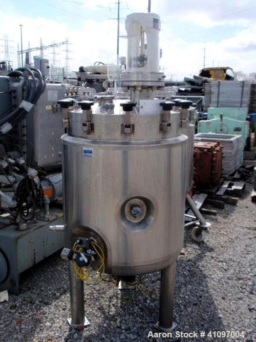 """Used- Feldmeier Receiver Tank, 60 gallon, 316L stainless steel, vertical. 24"""" diameter x 30"""" straight side, removable dish t..."""