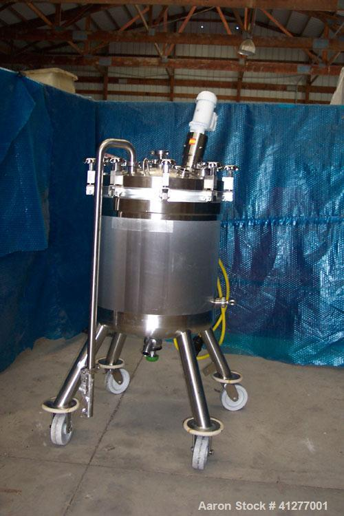 "Used- Feldmeier Pressure Tank, 50 Gallon, 316L stainless steel, vertical. 23 5/8"" diameter x 25"" straight side, dished clamp..."