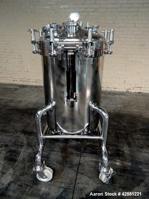 """Used- Feldmeier Receiver Tank, 60 Gallon, Stainless Steel. 24"""" Diameter x 30"""" straight side. Hinged dished top with assist, ..."""