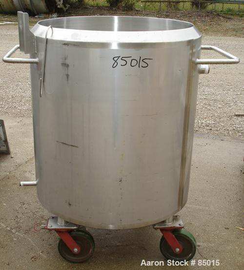 "Used- Feldmeier Kettle, 125 Gallon, 316 Stainless Steel. 31-1/2"" diameter x 35"" straight side. Flat top with bifold cover, 2..."