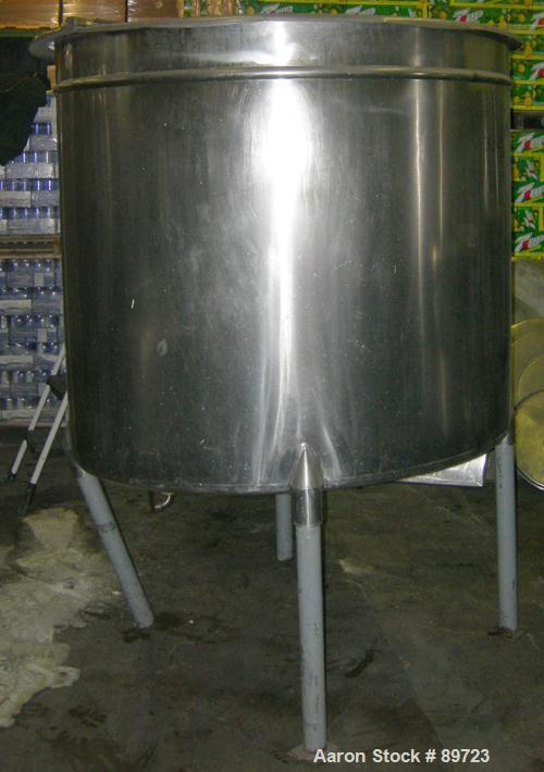 """USED: Filpaco tank, 425 gallon, 304 stainless steel, vertical. 52"""" diameter x 47"""" straight side, open top with a 2 piece cov..."""
