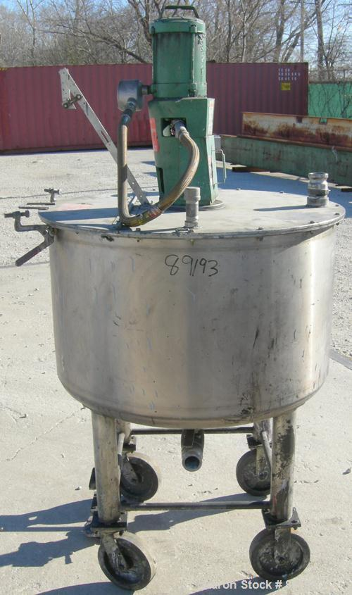 """USED: Graco tank, 100 gallon, 304 stainless steel, vertical. 30"""" diameter x 20"""" straight side. Flat bolt on top with 1/4 hin..."""