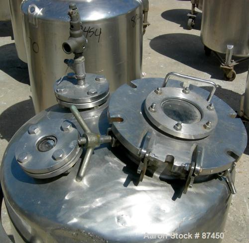 """Used- Groen Pressure Tank, 60 Gallon, 316 Stainless Steel, Vertical. 24"""" Diameter x 34"""" straight side, dish top and bottom. ..."""