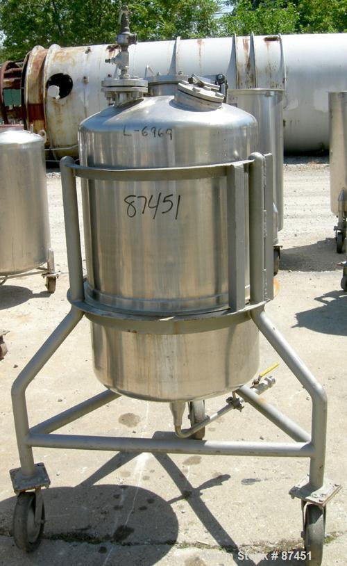 """USED: Groen Pressure Tank, 60 gallon, 316 stainless steel, vertical. 24"""" diameter x 34"""" straight side, dish top and bottom. ..."""