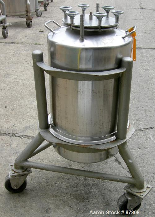 """Used- Groen Tank, 18 Gallon, 316 Stainless Steel, Vertical. 15-1/2"""" Diameter x 23"""" straight side, dish top and bottom. Openi..."""