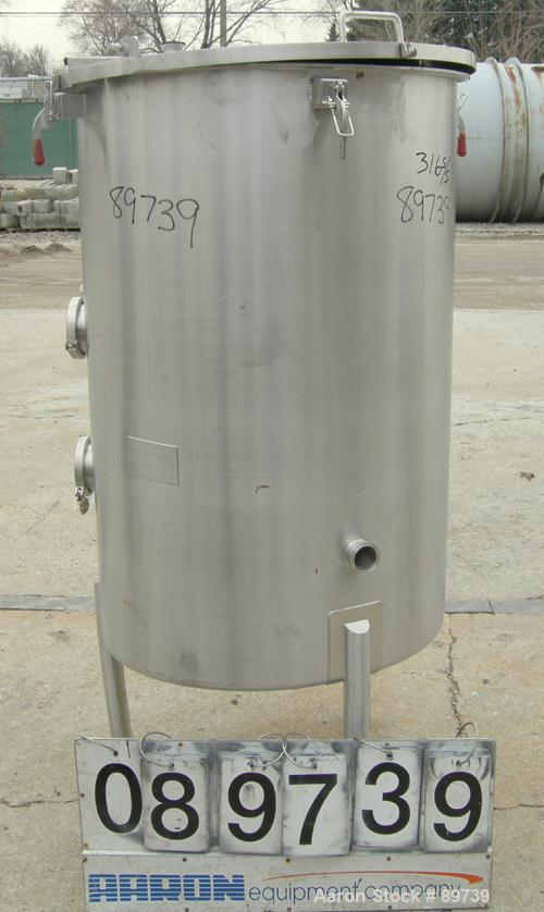 "USED: Harry Holland and Sons tank, 140 gallon, 316 stainless steel, vertical. 30"" diameter x 46"" straight side, open top wit..."