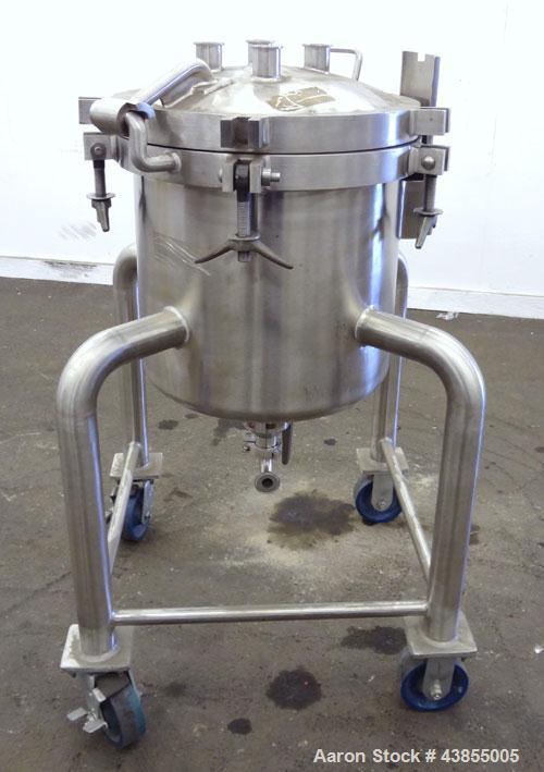 """Used- Lee Industries Pressure Tank, 15 Gallons, Model 15DBT, 316 Stainless Steel, Vertical.  18"""" Diameter x 16"""" straight sid..."""