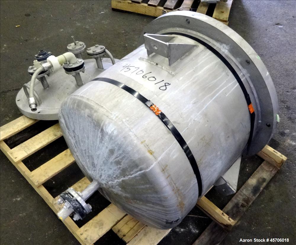 "Used- Lee Industries Pressure Tank, 45 Gallon, Model 45DBT, 316 Stainless Steel, Vertical. Approximate 24"" diameter x 18"" st..."