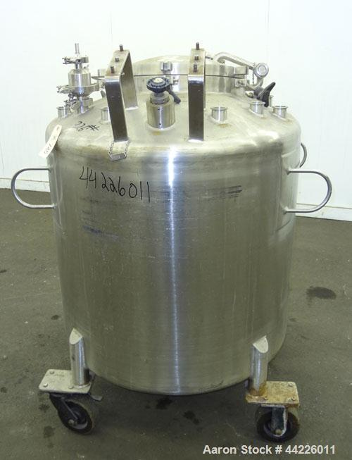 "Used- Lee Industries Pressure Tank, 132.1 Gallon (500 Liter), Model 500LDBT, 316 Stainless Steel, Vertical. Approximate 34"" ..."