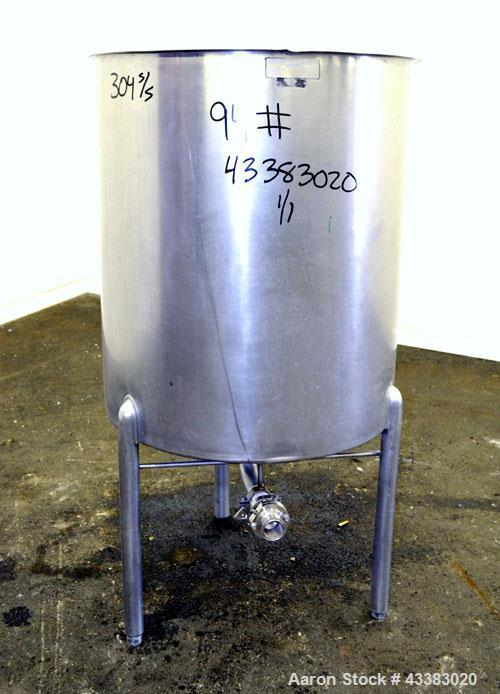 "Used- Lomax Stainless Steel Equipment Tank, 100 Gallon, Model SA100, 304 Stainless Steel, Vertical. Approximate 30-1/2"" diam..."