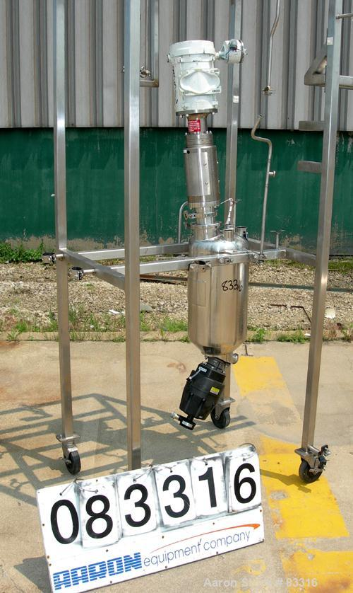 "USED: Martin Petersen pressure tank, 5 gallon, 316 stainless steel, vertical. 10"" diameter x 15"" straight side. Dished top a..."