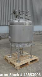 http://www.aaronequipment.com/Images/ItemImages/Tanks/Stainless-0-499-Gal/medium/Paul-Mueller_48553006_aa.jpg