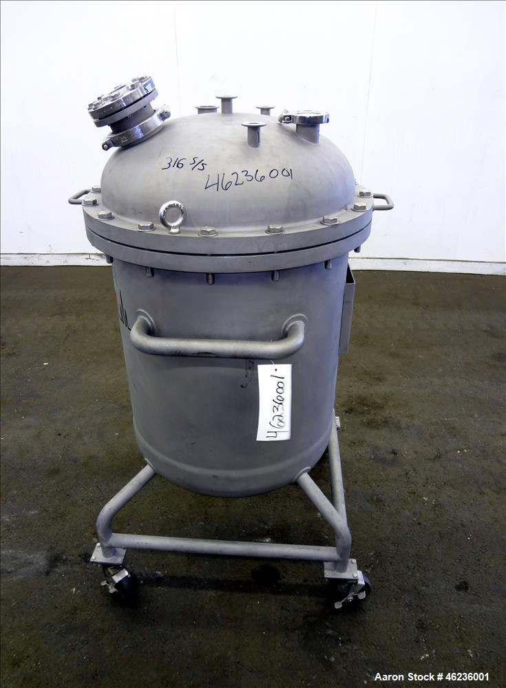 "Used- Meyer Tool & Mfg Pressure Tank Filter, 200 Liter (52.83 Gallon) Capacity, 316L Stainless Steel, Vertical. 23.625"" Diam..."