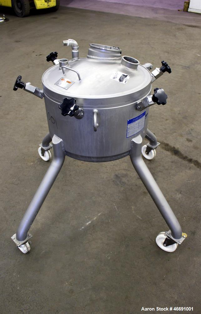 "Used- Mueller 60 Liter (15.8 Gallon) Tank, 316 Stainless Steel, Vertical. Approximate 20"" diameter x 12"" straight side. Clam..."