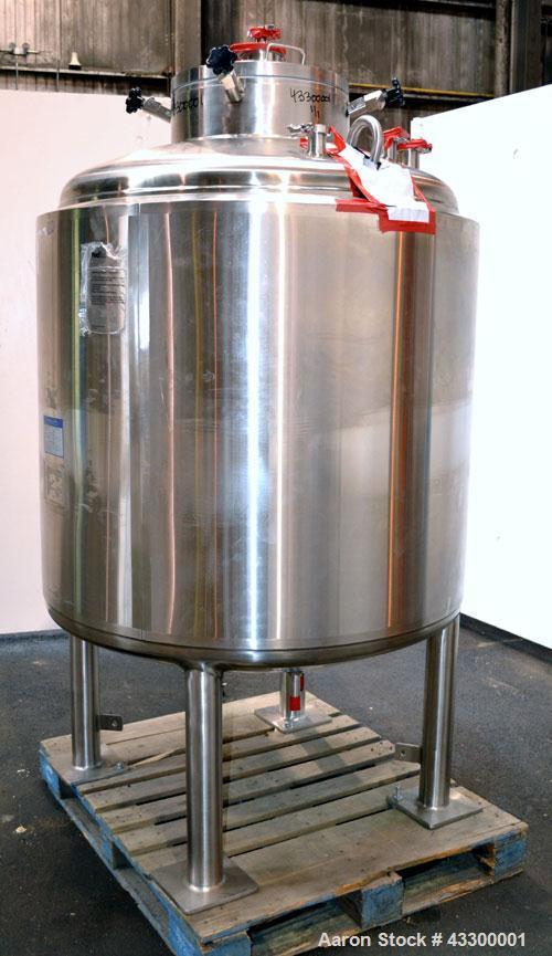 "Unused- Mueller WFI Storage Tank, 250 Gallon (946 Liter), Model F, 316L Stainless Steel, Vertical. 42"" Diameter x 37"" straig..."