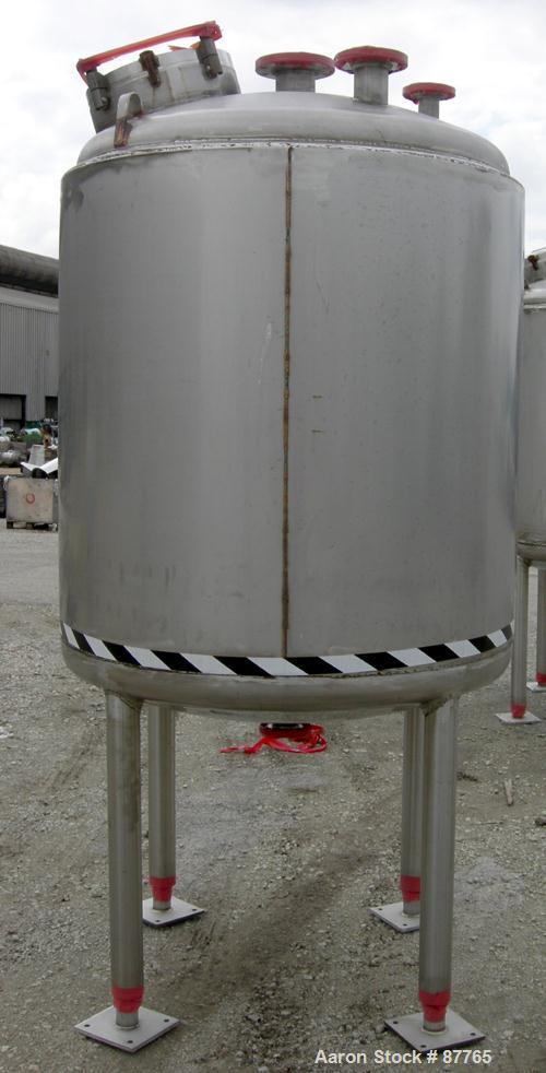 "Unused-NEW: Mueller pressure tank, 470 gallon, 304/304L stainless steel, vertical. 48"" diameter x 50"" straight side. Dished ..."