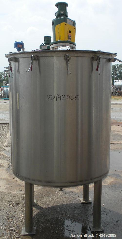 "Used- Tank, 440 Gallon, 304 Stainless Steel, Vertical. 48"" Diameter x 52"" straight side. Open top with a 2 piece cover, 1/2 ..."