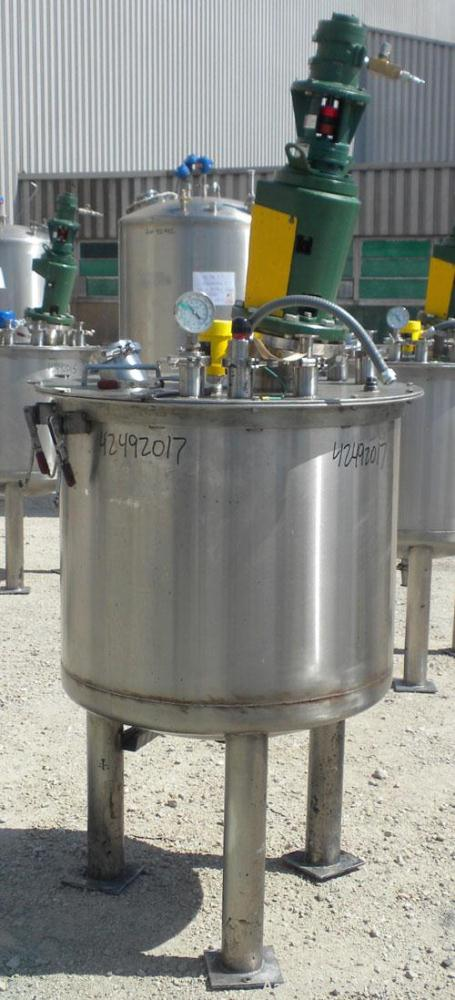"""Used- Tank, 80 Gallon, 304 Stainless Steel, Vertical. 30"""" Diameter x 24"""" straight side. Open top with a 2 piece cover, 1/2 b..."""
