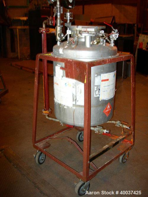 "Used- O.G. Kelley Co Pressure Tank, 55 gallon, stainless steel, vertical. 24"" diameter x 27"" straight side, dished top and b..."