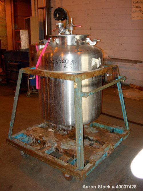 """Used- Javo N.V. Alkmaar Pressure Tank, 100 gallon, stainless steel, vertical. 30"""" diameter x 30"""" straight side, dished top a..."""