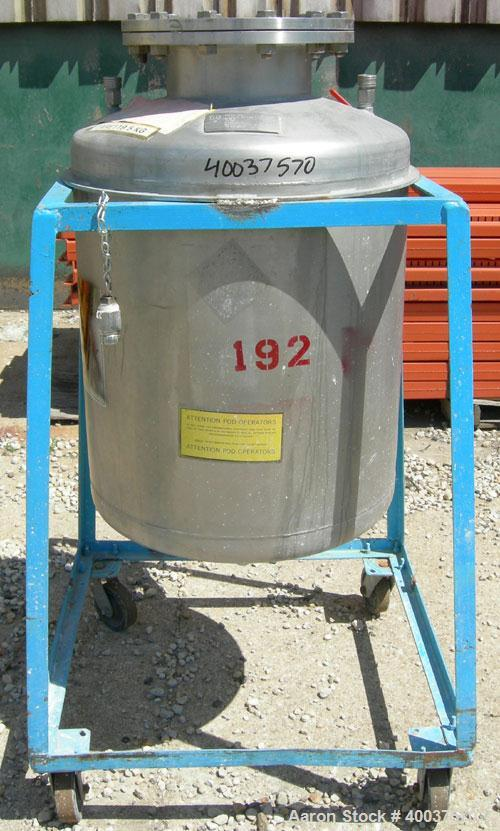 "Used- O.G. Kelley Co. Pressure Tank, 55 gallon, 304 stainless steel, vertical. 24"" diameter x 27"" straight side, dished top ..."