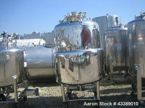 """Used- Tank, Approximately 160 Gallon, Electropolished Stainless Steel. 34"""" Diameter x 38"""" straight side. (3) Baffles, 11"""" to..."""