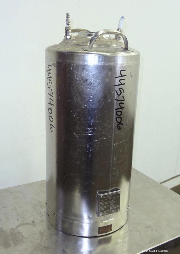 Used- 10.5 Gallon Stainless SteelDeJong Gorredijk Pressure Tank