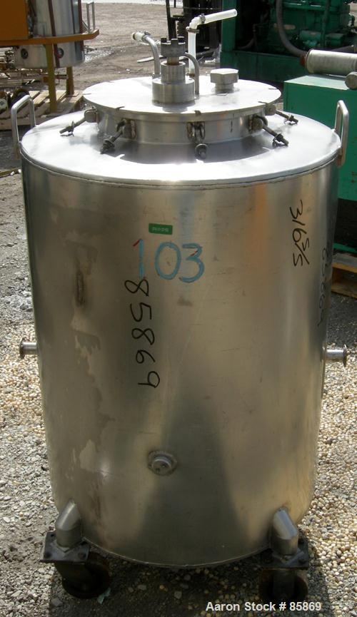 """Used- Tank, 95 Gallon, 316 Stainless Steel, Vertical. 28"""" diameter x 36"""" straight side, flat top and bottom. 1"""" diameter sha..."""