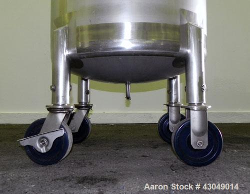 Used- Northland Stainless Pressure Tank, 200 Liter (52.8 Gallon), 316L Stainless Steel, Vertical.24'' Diameter x 22'' straig...