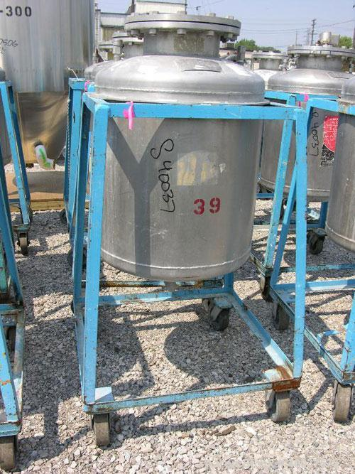 Used- Norwalk Pressure Tank, 50 Gallon, Stainless Steel, Vertical. Approximately 24'' diameter x 24'' straight side, dished ...